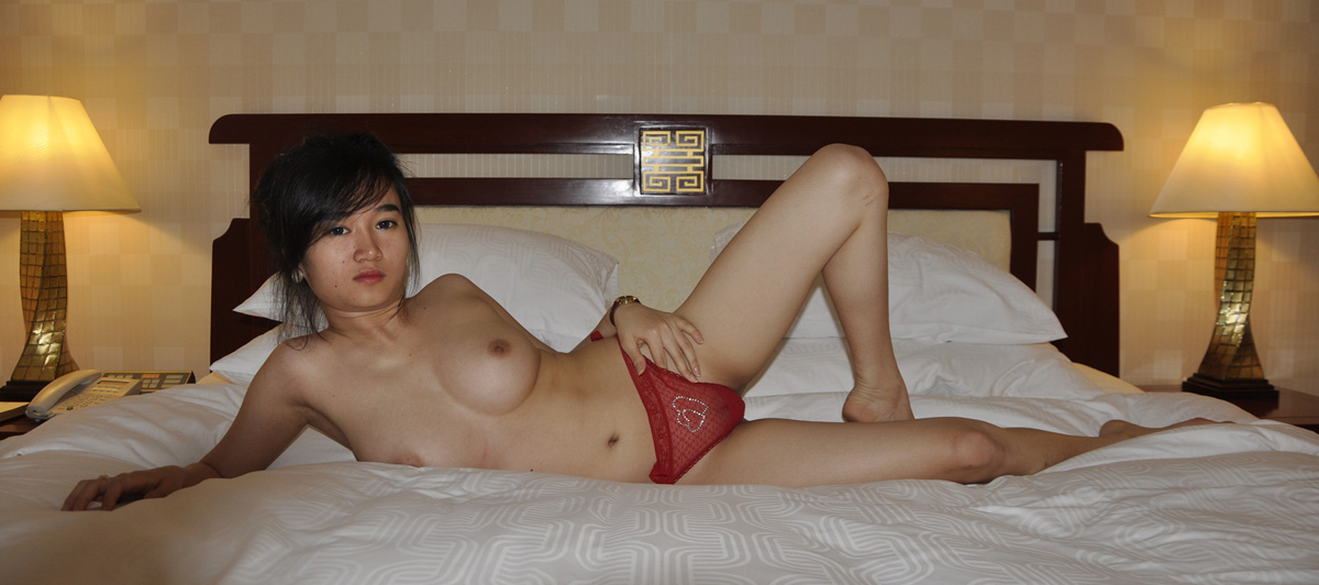 Young Vietnamese Girl Jenny In Hotel With Mature Boyfriend (Update 3 videos + 233 photos)